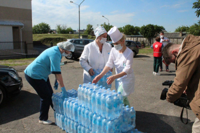More than 5 tons of drinking water were transferred to medical staff of Minsk Oblast