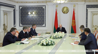 Lukashenko hosts meeting to discuss Belarus' woodworking industry
