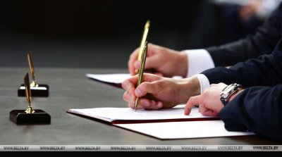 Belarus, Russia sign seven agreements on cooperation