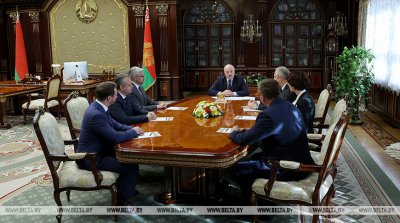 Lukashenko comments on higher education, brain drain, patriotism in healthcare